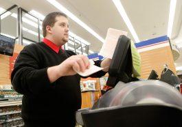 Man Quits Job As A 7-11 Cashier After Winning Online Jackpots During Lunch Break